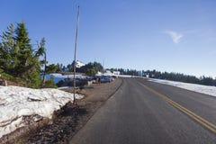 Ένα φυσικό Drive πλαισίων εθνικών οδών στο εθνικό πάρκο λιμνών κρατήρων Στοκ εικόνες με δικαίωμα ελεύθερης χρήσης