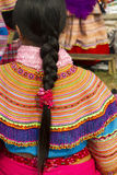 Ένα φόρεμα και μια τρίχα Hmong λουλουδιών στην αγορά πρωινού ΤΣΕ εκτάριο Στοκ εικόνες με δικαίωμα ελεύθερης χρήσης