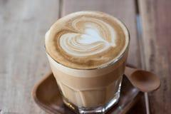 ένα φλυτζάνι του εκλεκτής ποιότητας καφέ Στοκ Εικόνες
