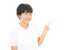 Ένα χαμογελώντας κορίτσι εφήβων Στοκ εικόνα με δικαίωμα ελεύθερης χρήσης