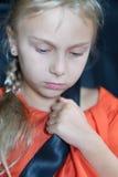 Ένα χαριτωμένο ξανθό κορίτσι Στοκ φωτογραφία με δικαίωμα ελεύθερης χρήσης