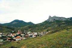 Ένα χωριό στα βουνά Στοκ εικόνες με δικαίωμα ελεύθερης χρήσης