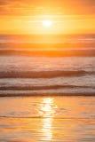 Ένα όμορφο ηλιοβασίλεμα στην παραλία ενενήντα μιλι'ου Στοκ Φωτογραφίες