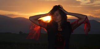 Ένα όμορφο κορίτσι νεράιδων σε ένα ιστορικό κοστούμι Στοκ Εικόνες