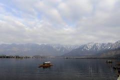 Ένα όμορφο τοπίο στη λίμνη Κασμίρ, Ινδία DAL κατά τη διάρκεια του χειμώνα Στοκ Φωτογραφίες