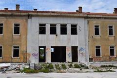 Ένα abandoend που χτίζει αργά να καταρρεύσει Στοκ εικόνα με δικαίωμα ελεύθερης χρήσης