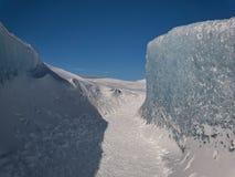 Ένα crevasse στον παγετώνα Vatnajökull στοκ εικόνες