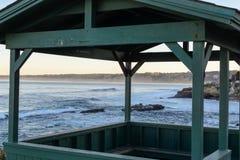 Ένα gazebo αγνοεί το Ειρηνικό Ωκεανό Στοκ φωτογραφία με δικαίωμα ελεύθερης χρήσης