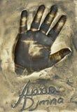 Ένα handprint της διάσημης πολωνικής ηθοποιού Anna Dymna έκανε σε ένα πιάτο ορείχαλκου στοκ φωτογραφίες με δικαίωμα ελεύθερης χρήσης