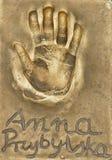 Ένα handprint της διάσημης πολωνικής ηθοποιού Anna Przybylska έκανε σε ένα πιάτο ορείχαλκου στοκ φωτογραφία με δικαίωμα ελεύθερης χρήσης