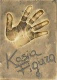Ένα handprint της διάσημης πολωνικής ηθοποιού Katarzyna Figura έκανε σε ένα πιάτο ορείχαλκου στοκ εικόνα
