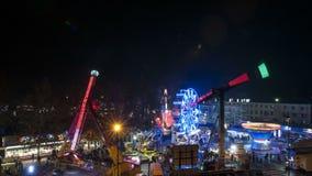 Ένα luna πάρκο τή νύχτα απόθεμα βίντεο