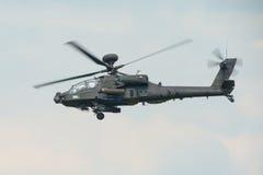 Ένα RAF Apache επιθετικό ελικόπτερο κατά την πτήση Στοκ εικόνα με δικαίωμα ελεύθερης χρήσης