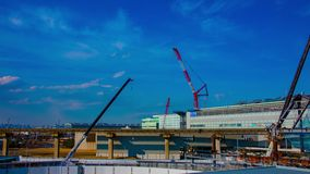 Ένα timelapse των γερανών στην κατώτερη κατασκευή στο Τόκιο φιλμ μικρού μήκους