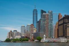 Ένα World Trade Center και στο κέντρο της πόλης ορίζοντας του Μανχάταν Στοκ Εικόνες