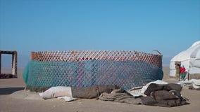 Ένα yurt κάτω από την κατασκευή απόθεμα βίντεο