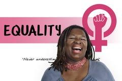 Έννοια ίσης ευκαιρίας φεμινισμού δύναμης κοριτσιών γυναικών Στοκ εικόνα με δικαίωμα ελεύθερης χρήσης