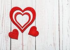 Έννοια αγάπης για την ημέρα μητέρων ` s και την ημέρα βαλεντίνων ` s βαλεντίνος Αγάπη βαλεντίνος καρτών s ημέρας Ευτυχείς καρδιές Στοκ εικόνες με δικαίωμα ελεύθερης χρήσης