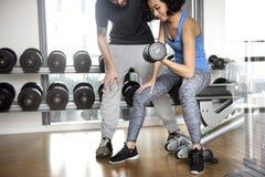 Έννοια αθλητικής γυμναστικής ικανότητας άσκησης ζεύγους Workout στοκ εικόνες