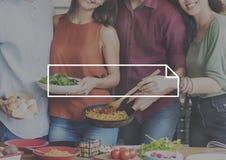Έννοια γευμάτων διασκέδασης φιλίας φίλων Στοκ φωτογραφία με δικαίωμα ελεύθερης χρήσης