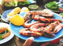 Έννοια γεύσεων κόμματος εορτασμού μεσημεριανού γεύματος τροφίμων Στοκ Φωτογραφίες