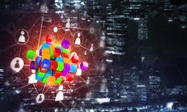 Έννοια Διαδικτύου και της δικτύωσης με τον ψηφιακό αριθμό κύβων για το σκοτεινό υπόβαθρο Στοκ φωτογραφία με δικαίωμα ελεύθερης χρήσης