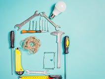 Έννοια εγχώριας βελτίωσης Καθορισμένο εργαλείο χειρός εργασίας για την κατασκευή ή την επισκευή του σπιτιού Στοκ Εικόνες