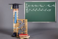 Έννοια εκπαίδευσης με το δάσκαλο των μαθηματικών Στοκ εικόνες με δικαίωμα ελεύθερης χρήσης