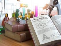 Έννοια εκπαίδευσης χημείας Ανοικτά βιβλία με τη χημεία κειμένων και Στοκ Φωτογραφίες