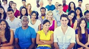 Έννοια εκπαίδευσης κατάρτισης σεμιναρίου ομάδας εφήβων ποικιλομορφίας Στοκ Εικόνες