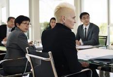 Έννοια ενημερώσεων παρουσίασης συνεδρίασης της επιχειρησιακής συζήτησης στοκ φωτογραφία με δικαίωμα ελεύθερης χρήσης