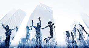 Έννοια επιτεύγματος νίκης ενθουσιασμού επιτυχίας επιχειρηματιών στοκ φωτογραφία