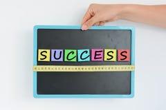 Έννοια επιτυχίας μέτρου σε μια επιχείρηση ή μια επιχείρηση Στοκ εικόνες με δικαίωμα ελεύθερης χρήσης