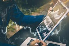 Έννοια επιτυχίας στατιστικών επιχειρήσεων: fina analytics επιχειρηματιών Στοκ Φωτογραφία