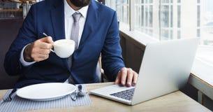 Έννοια εργασίας επιχειρησιακών προσώπων στο εσωτερικό στοκ εικόνες