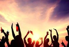 Έννοια διακοπών καλοκαιρινών διακοπών κόμματος παραλιών εορτασμού ανθρώπων στοκ φωτογραφίες με δικαίωμα ελεύθερης χρήσης