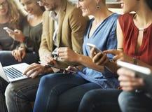 Έννοια δικτύωσης τεχνολογίας σύνδεσης ομάδας ανθρώπων ποικιλομορφίας Στοκ Εικόνα