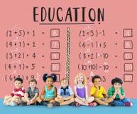 Έννοια διδασκαλίας υπολογισμού μαθηματικών εκπαίδευσης εκμάθησης Στοκ Εικόνες