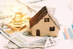 Έννοια κατανομής προτερημάτων διαχείρισης ή επένδυσης πλούτου, σπίτι, στοκ εικόνα