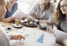 Έννοια καφέδων μάρκετινγκ στρατηγικής συνεδρίασης της επιχειρησιακής ομάδας Στοκ εικόνα με δικαίωμα ελεύθερης χρήσης
