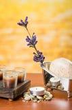 Έννοια κεριών πετρελαίων soaps stones flower spa Στοκ φωτογραφία με δικαίωμα ελεύθερης χρήσης