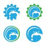Έννοια λογότυπων επιχείρησης υπηρεσιών υδραυλικών Στοκ εικόνα με δικαίωμα ελεύθερης χρήσης