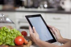 Έννοια μαγειρέματος, τεχνολογίας και σπιτιών Στοκ φωτογραφίες με δικαίωμα ελεύθερης χρήσης