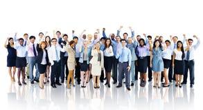 Έννοια ομάδας επιτυχίας εορτασμού επιχειρηματιών πλήθους στοκ φωτογραφίες