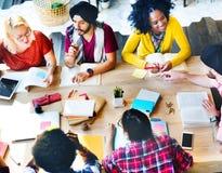 Έννοια ομάδας σχέσης σπουδαστών σύνδεσης συναδέλφων Στοκ Εικόνες