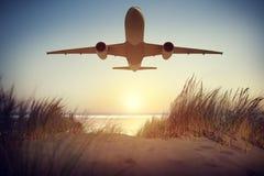 Έννοια πετάγματος ταξιδιού μεταφορών αεροπλάνων Στοκ Εικόνες