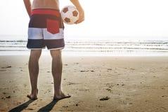 Έννοια πετοσφαίρισης διακοπών καλοκαιρινών διακοπών παραλιών ατόμων Στοκ φωτογραφία με δικαίωμα ελεύθερης χρήσης