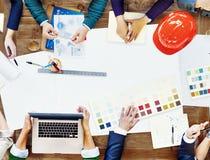 Έννοια προγραμματισμού 'brainstorming' συνεδρίασης της ομάδας σχεδίου Constraction Στοκ εικόνα με δικαίωμα ελεύθερης χρήσης