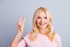 Έννοια προσώπων ανθρώπων ελεύθερου χρόνου δερμάτων skincare Κλείστε επάνω το πορτρέτο ο Στοκ εικόνες με δικαίωμα ελεύθερης χρήσης