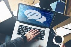 Έννοια πληροφοριών συνομιλίας λεκτικών φυσαλίδων επικοινωνίας Στοκ εικόνα με δικαίωμα ελεύθερης χρήσης
